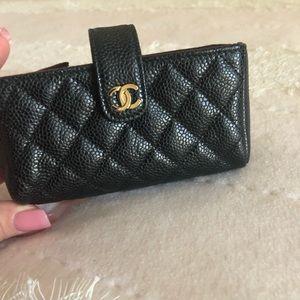 Mini Caviar clutch/phone holder